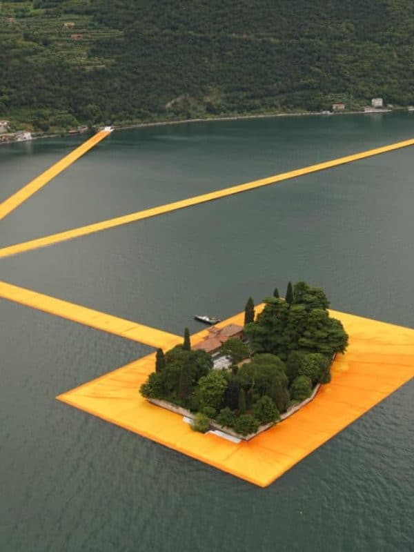 floating-piers-christo-lake-iseo-italy-june-2016-orange-yellow-fabric-birds-eye_dezeen_1568_7