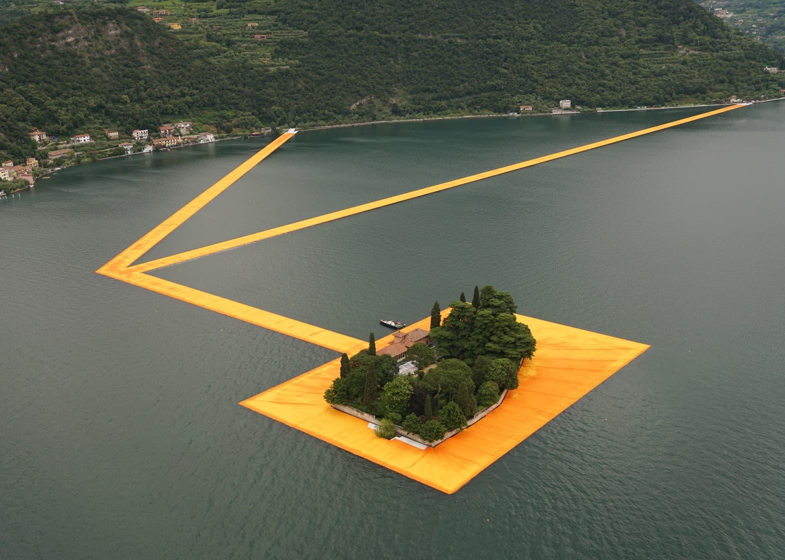 floating-piers-christo-lake-iseo-italy-june-2016-orange-yellow-fabric-birds-eye_dezeen_1568_7