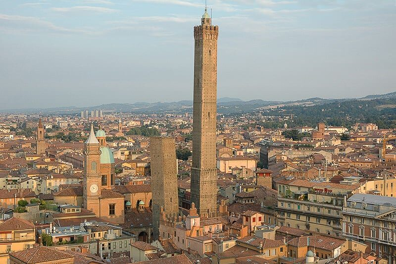 Bolonha Torre degli Asinelli Torre Garisenda