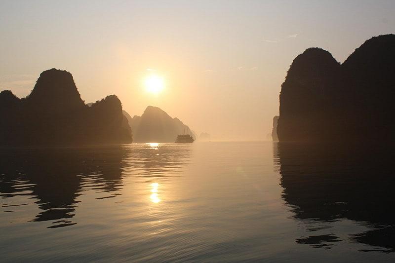 imagem da Baía de Ha Long Vietnã